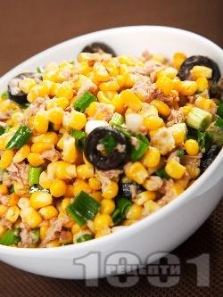 Салата от царевица и риба тон - снимка на рецептата